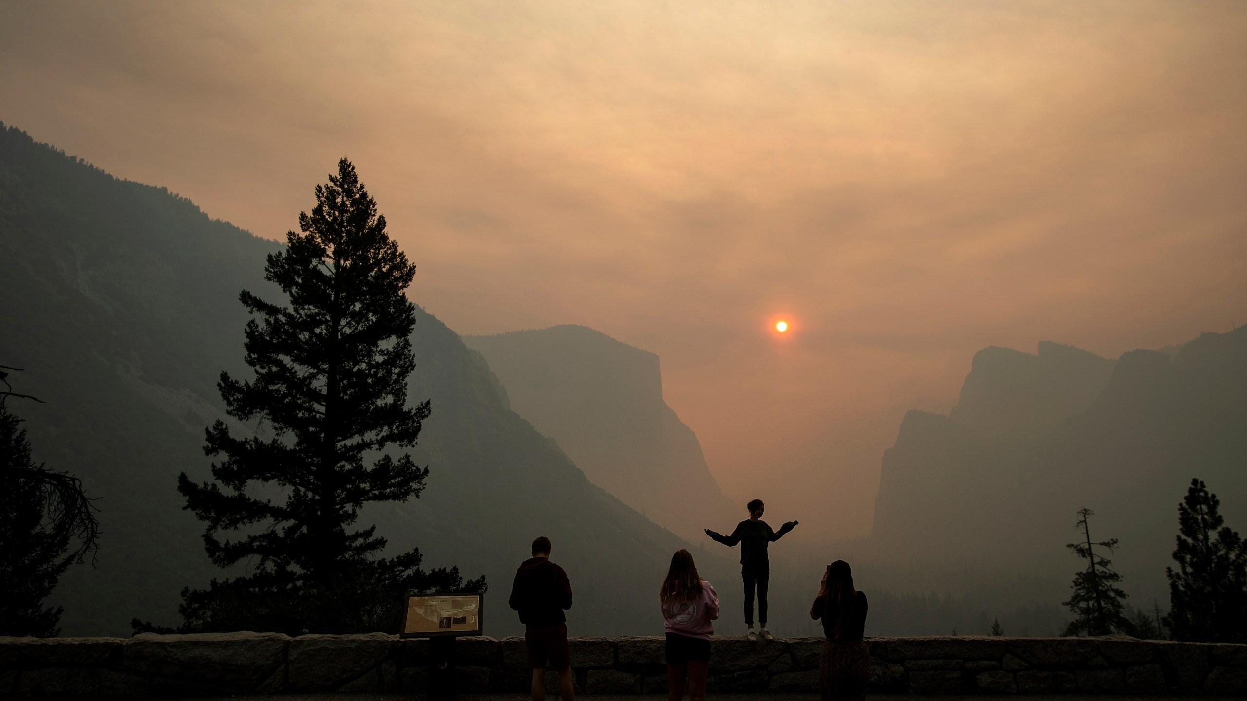 California_Wildfires_Yosemite_Closed_39137-159532.jpg43448730