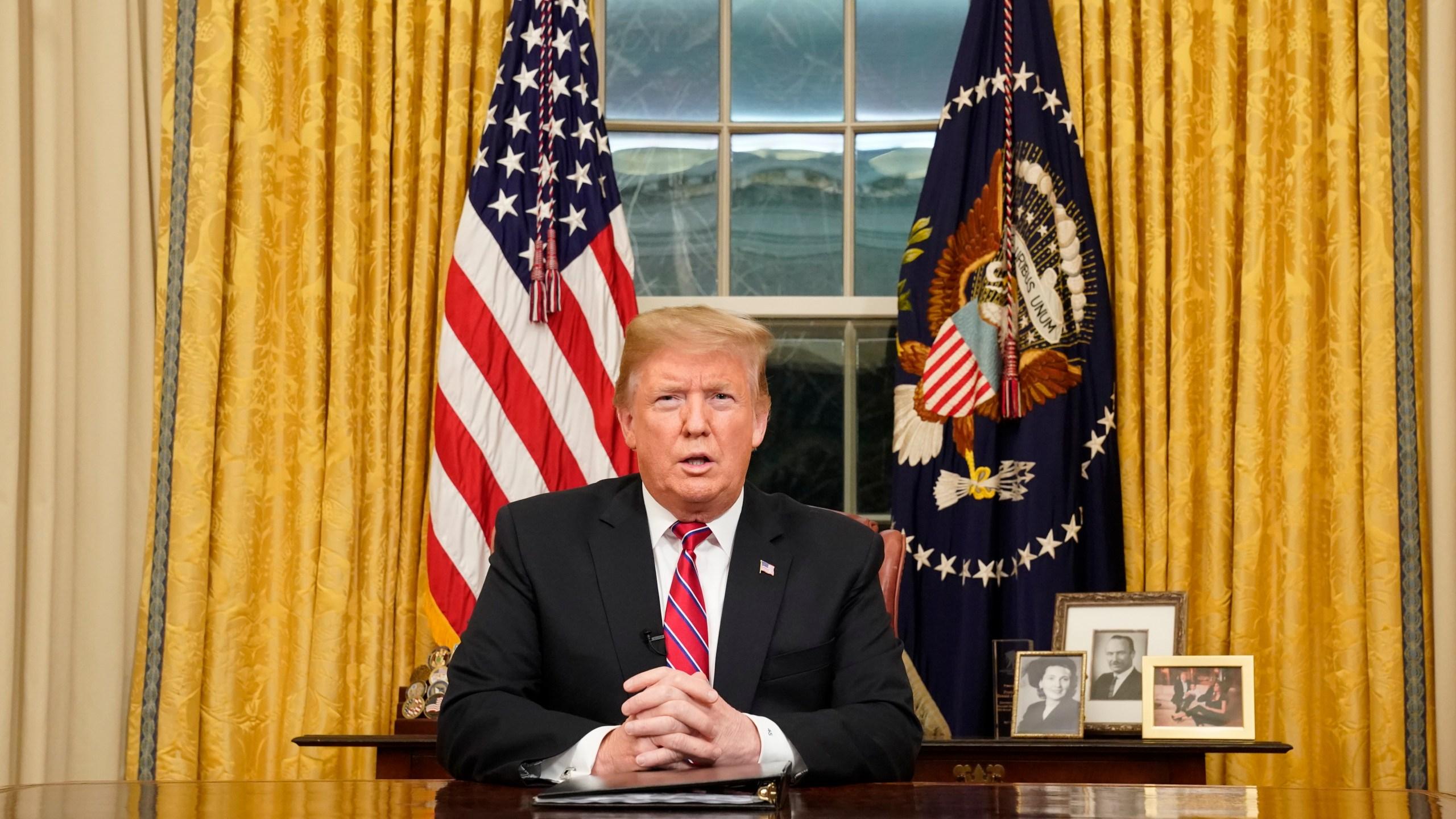 APTOPIX_Government_Shutdown_Trump_85773-159532.jpg00386278