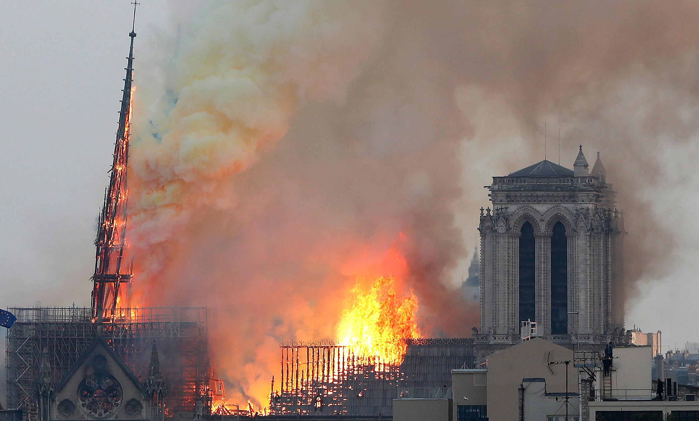 APTOPIX_France_Notre_Dame_Fire_71908-159532.jpg42482137