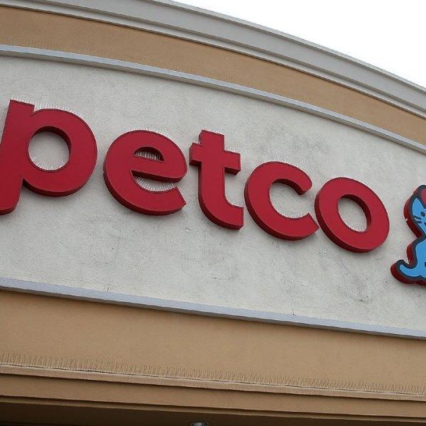 Petco store sign71188430-159532