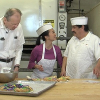 Pop Kern: Make King Cake with Smith's Bakery