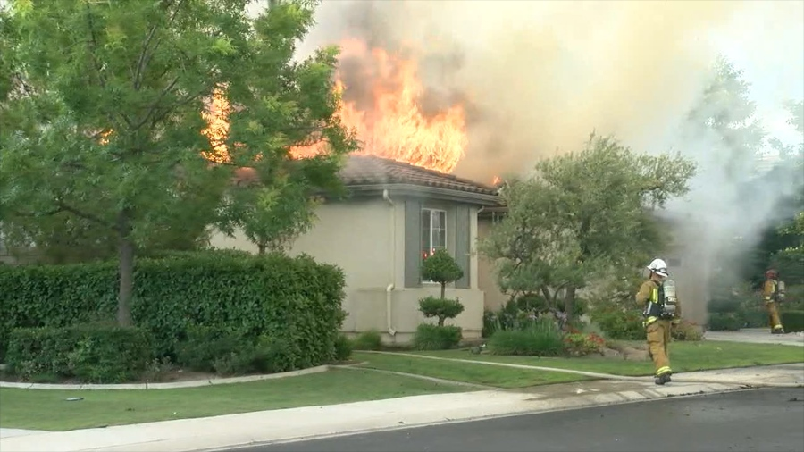 House fire in East Bakersfield | KGET